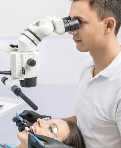 centrum stomatologiczne demed- ursynów- leczenie kanałowe pod mikrtoskopem